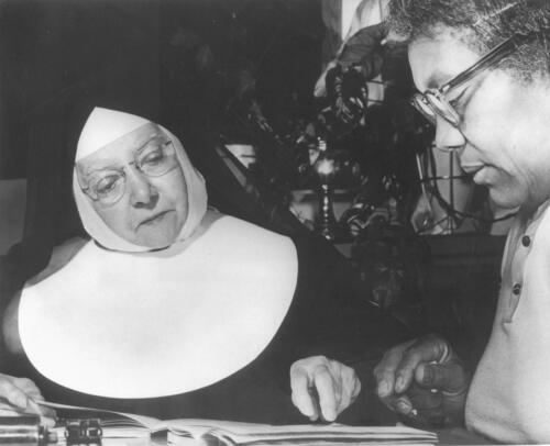 Nun_Working