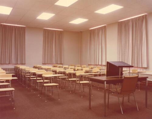 Room_300_1979 - Copy - Copy
